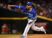 PHOENIX, AZ - JULY 20:  Starting pitcher Marcus Stroman #6 of the Toronto Blue Jays pitches against the Arizona Diamondbacks during the first inning of the interleague MLB game at Chase Field on August 20, 2016 in Phoenix, Arizona.  (Photo by Christian Petersen/Getty Images)